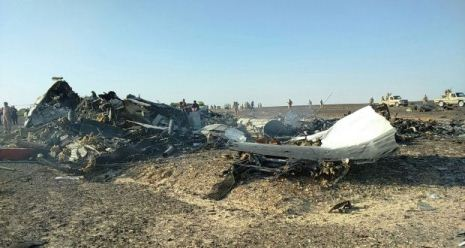 71 killed as plane crashes near Moscow