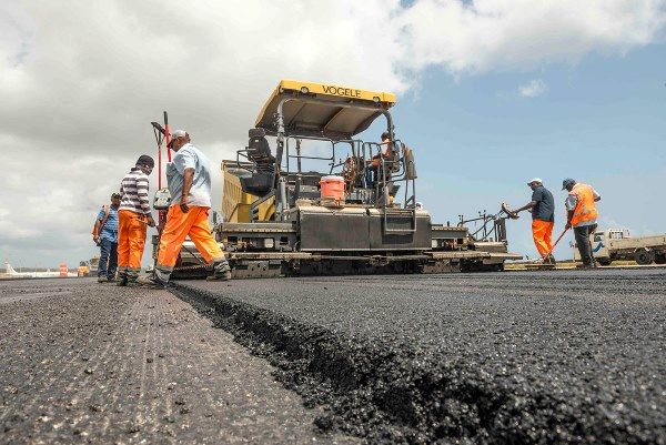 Buhari boasts: We have fulfilled our promise on roads by policy and action