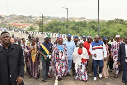 Governor Ambode full of praise for Tinubu and Fashola as he commissions 21 Lagos roads
