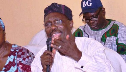 MASSIVE DEFECTION: Lagos PDP chairman defects to APC with thousands of supporters