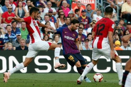 La Liga: Barcelona stay top after Real and Atletico derby game end in stalemate